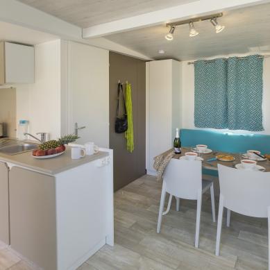 Cocina y comedor del Sa Riera - Camping & Bungalows Interpals