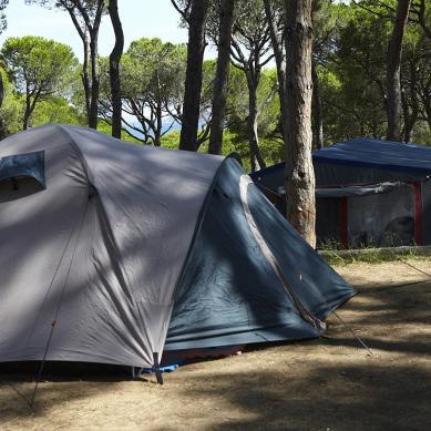 Camping con tiendas de campaña en Cataluña
