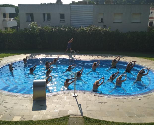 Aquagym in the pool of Camping Interpals & Bungalows