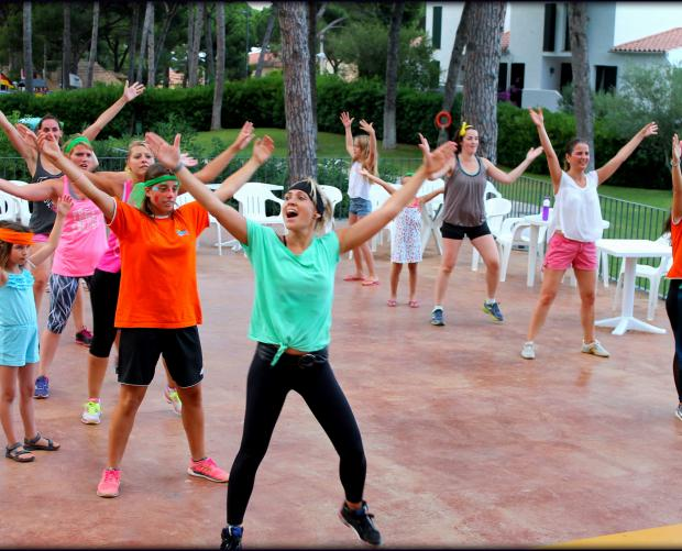 Zumba-les door het animatieteam van Camping Interpals & Bungalows