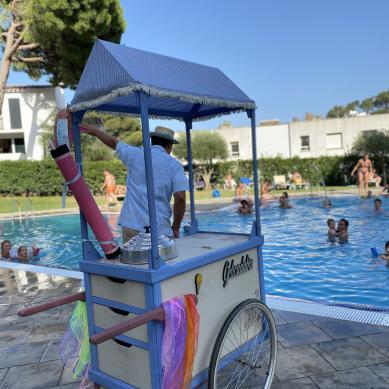 Animación infantil en la piscina del camping