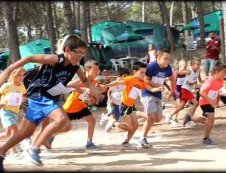 Carrera infantil al Camping Bungalows Interpals
