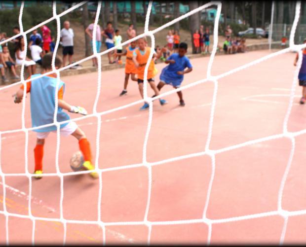 Partit de futbol infantil