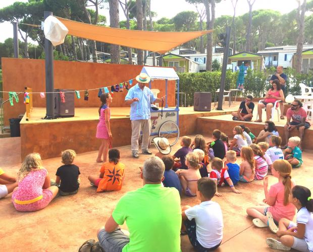 Espectacle de màgia al Camping Bungalows Interpals