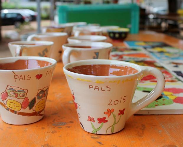Tasses pintades per nens
