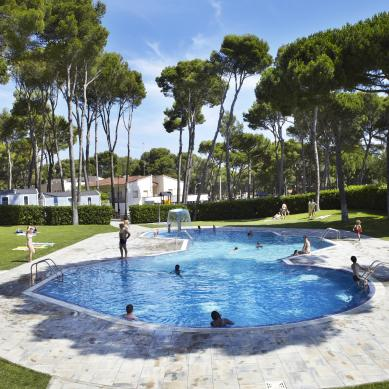 Piscina Camping & Bungalows Interpals