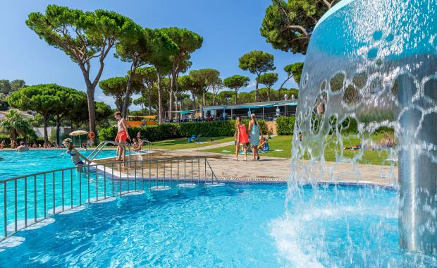 Piscina del Camping Bungalows Interpals a la Costa Brava