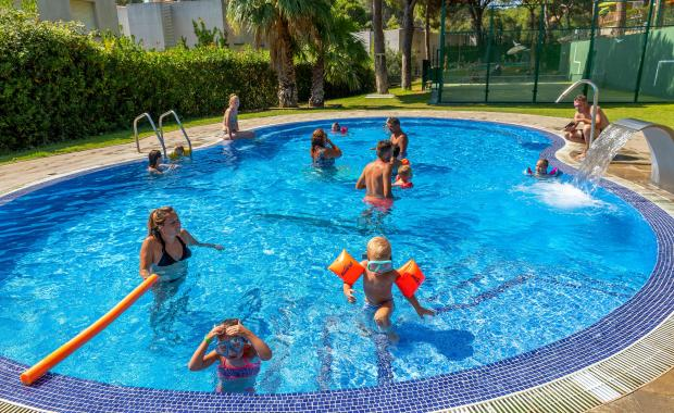 Piscina infantil del Camping Bungalows Interpals