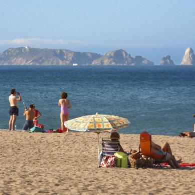 Playa con vistas a las Medas