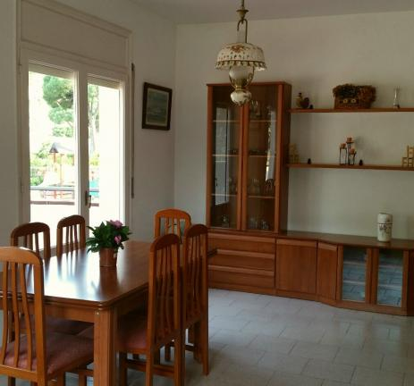 Dining room of the Camping Bungalows Interpals apartments