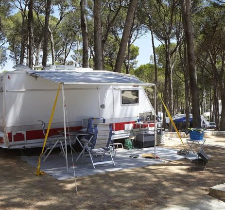 Terrain pour caravanes dans un camping à Pals - Costa Brava