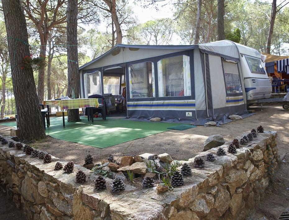 Caravan with tent on Camping Interpals plot - Spain